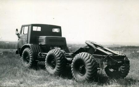 ЗИЛ, который попроходимости делал гусеничные тракторы