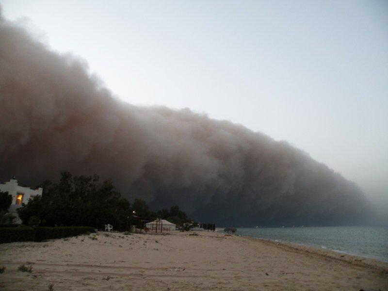 Песчаные бури наступают на города: 30 эффектных снимков разгула стихии катаклизм, красиво, природные явления, пыль, пыльная буря, эстетика