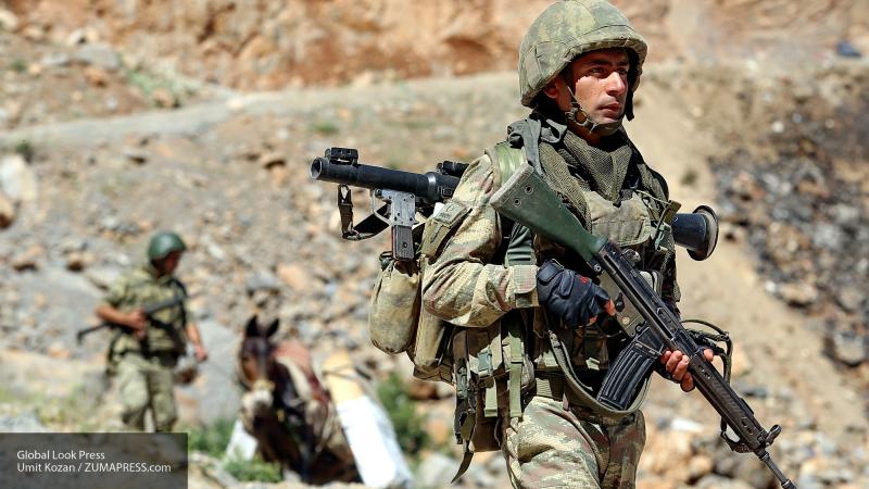 Армия Турции установила контроль в Рас-эль-Айне в Сирии после отхода курдов-террористов