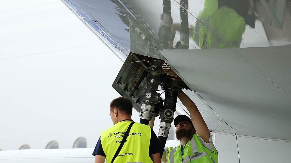 Топливо тянет авиаперевозчиков к антирекорду