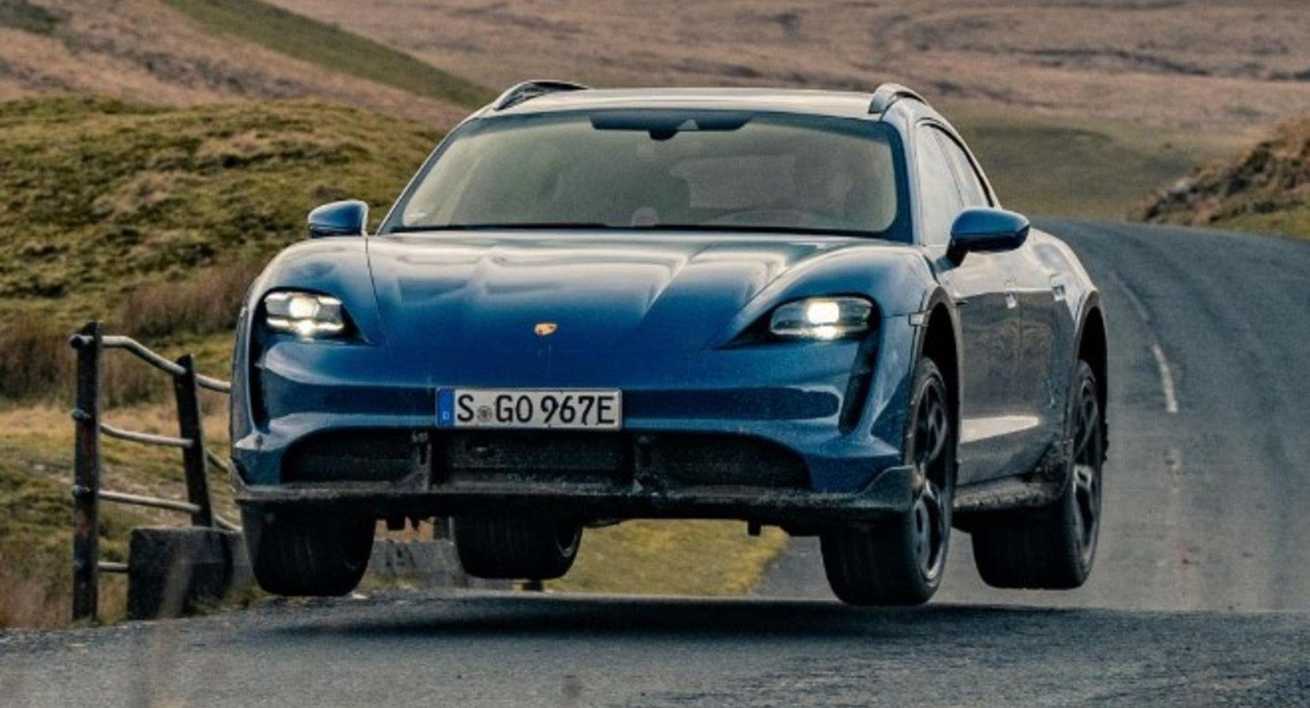 Модель Porsche Taycan CT стала электромобилем года Top Gear Автомобили