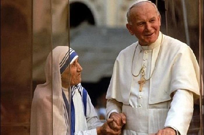Беззаветное служение людям, Богу или все-таки Ватикану: спорные деяния Матери Терезы