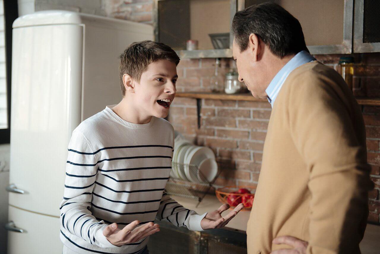 Почему ребенок хамит родителям Почему ребенок хамит родителя