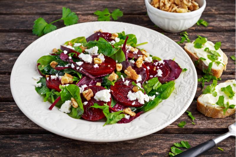 5 низкокалорийных салатов, к…