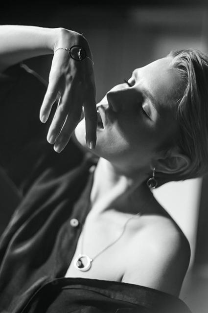 Модный дайджест: от Беллы Хадид в праздничной кампании до коллекции Хелены Кристенсен Новости моды