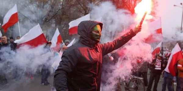 Вон из Польши, курвы бандеровские: украинцы и поляки сходятся в рукопашной