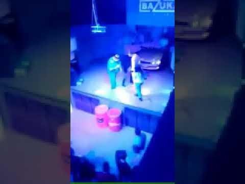 """Студентка из Томска сделала """"омлет"""" на сцене ради бесплатных коктейлей"""