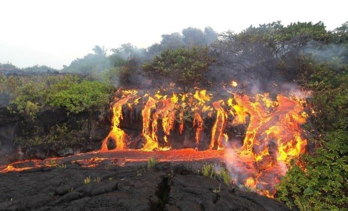 Лавовый водопад... то есть, лавапад мрачно, мрачные шутки, необычно, необычные картинки, необычные фотографии, природа, пугающе, фото