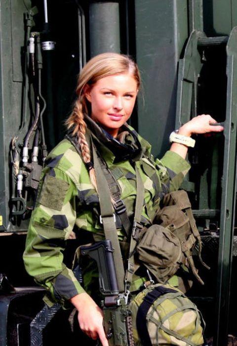 Женщины на службе в армии