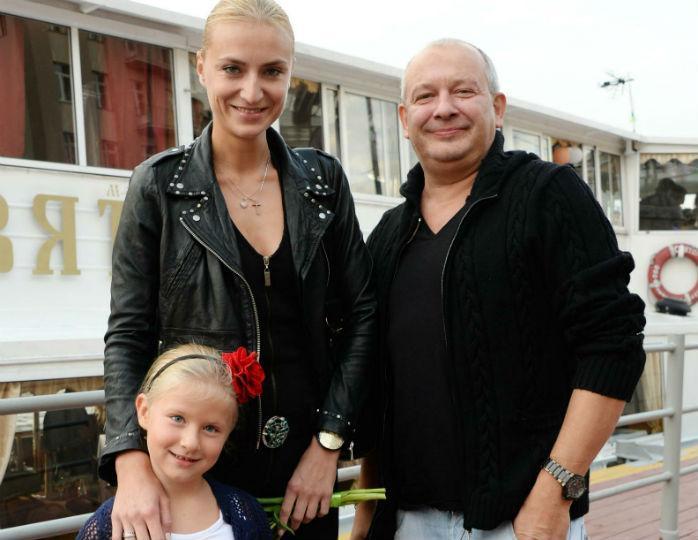 Вдова Марьянова не планирует…