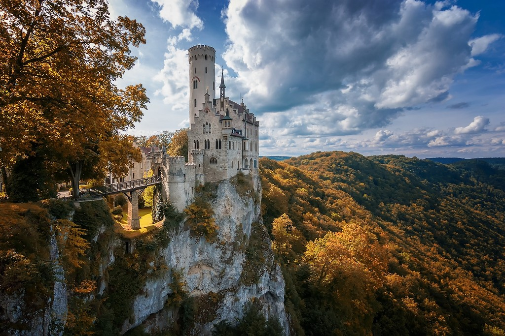 www.GetBg.net_2017World___Germany_Ancient_castle_of_Liechtenstein_on_the_cliff__Germany_114705_.jpg