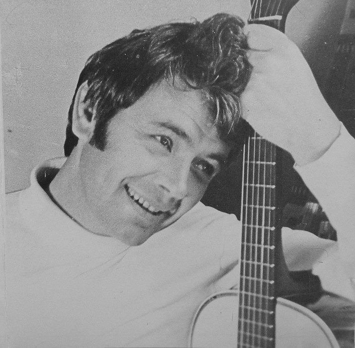 Знаете, каким он парнем был! Что скрывала улыбка талантливого певца Юрия Гуляева