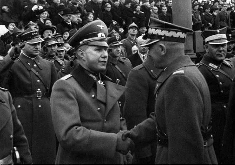 Совместный парад Польша, история, униформа