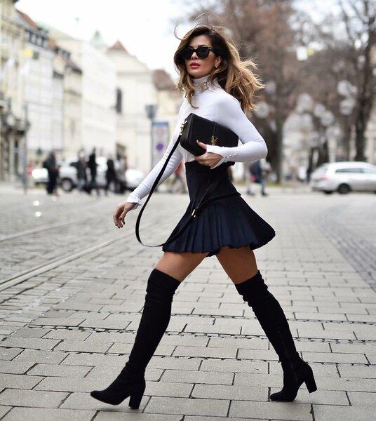 https://www.instagram.com/shortstoriesandskirts/С чем носить плиссированную юбку миди
