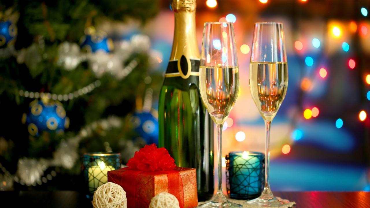 Как правильно выбрать шампанское. Вся правда о Деде Морозе