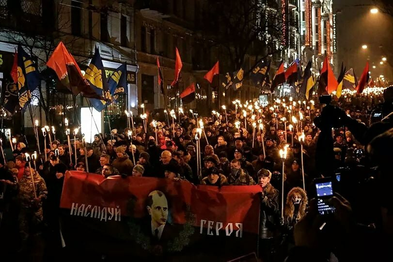 «Правосеки»: Польша нанесла Украине удар в спину