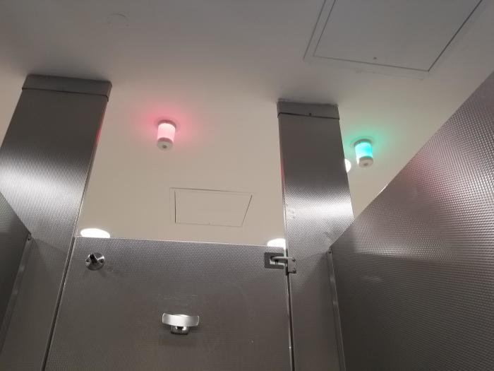 Небольшая модернизация, и очереди в туалете не будет. /Фото: i.redd.it