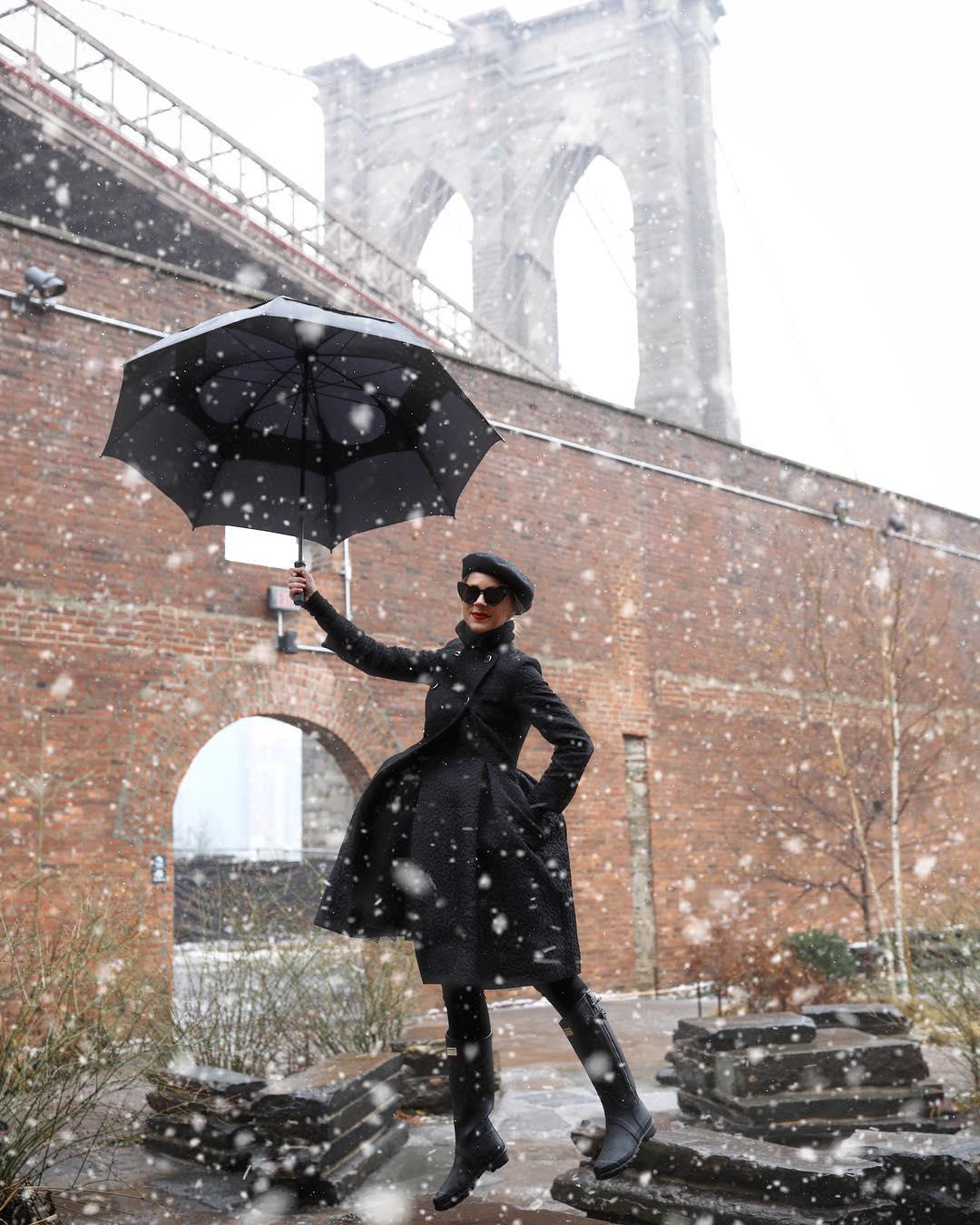 Тренд холодного сезона 2020 - пальто-годе. Новинки, варианты и лучшие образы мода,модный обзор,образ,осень-зима 2020,стиль,тренды