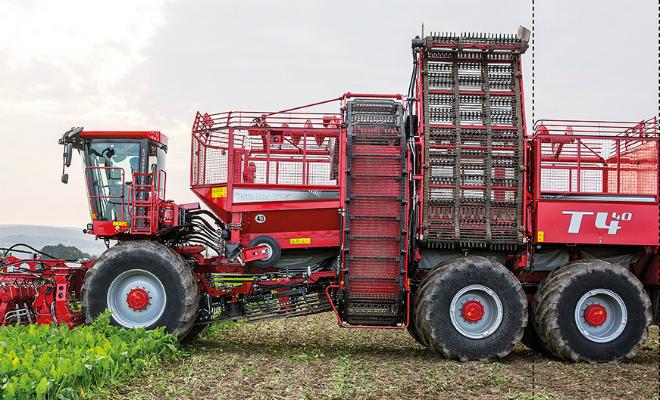 Машины фермеров нового уровня: техника роет каналы на поле и собирает виноград сама Культура