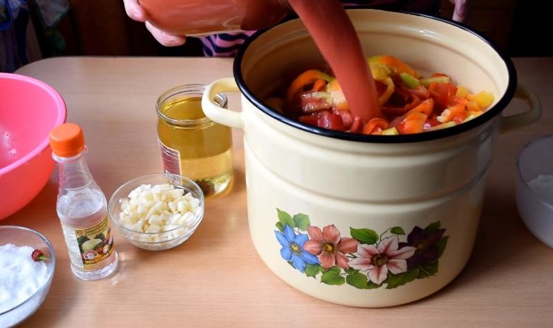 Как приготовить лечо из кабачков
