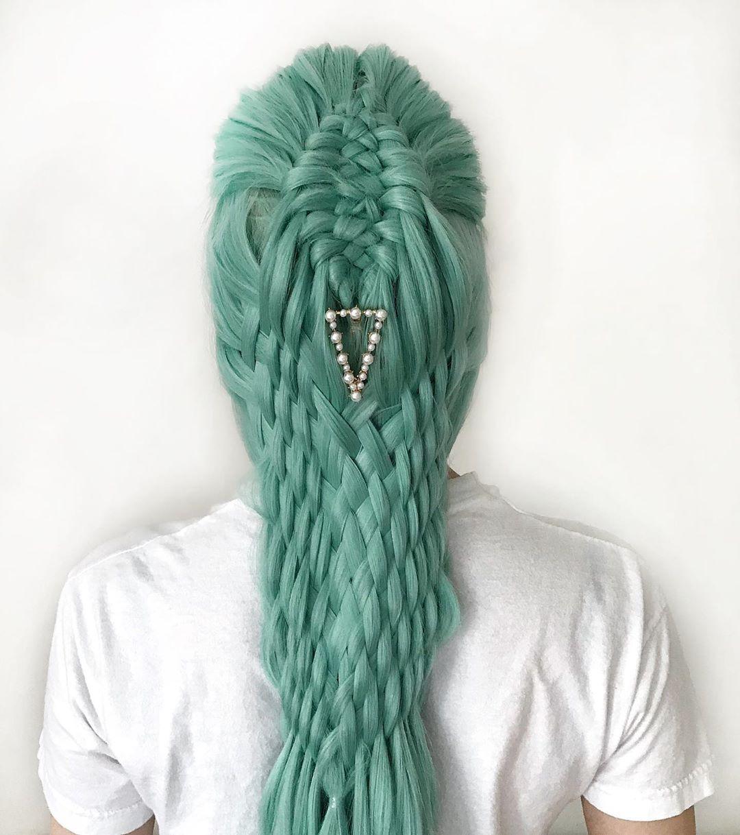 Девочка создает прически, которые поражают своими неожиданными дизайнами - вот лучшие из них вдохновляемся,волосы,прически