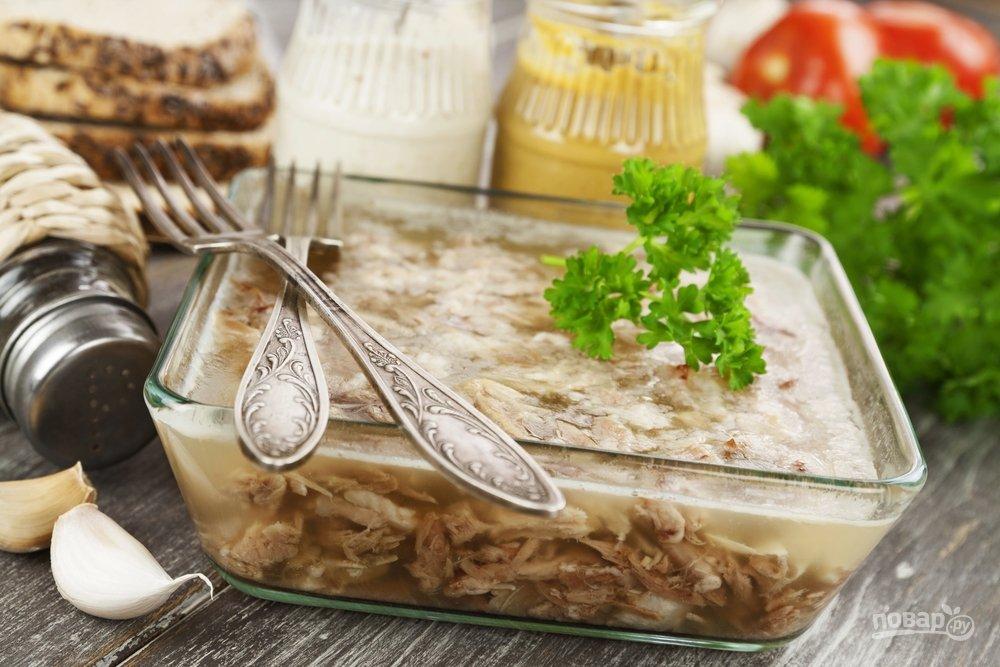 Как выглядел новогодний стол во времена СССР Оливье, салат, масло, вареной, можно, сейчас, готовили, мандаринов, курица, Пусть, Ктото, корочкой, салата, хлебом, черным, всегда, картошкой, вместе, хочется, колбасной