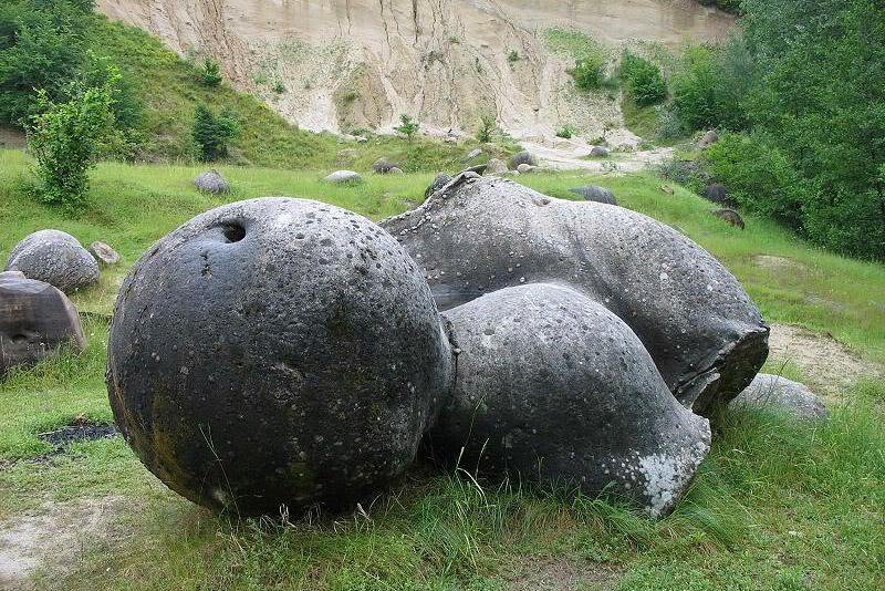 Трованты - уникальные камни, которые растут и размножаются