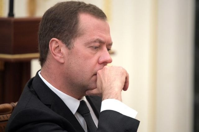 Медведев: решение МОК о недопуске атлетов постыдное и политизированное