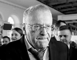 Журналист рассказал о домогательствах со стороны Жириновского