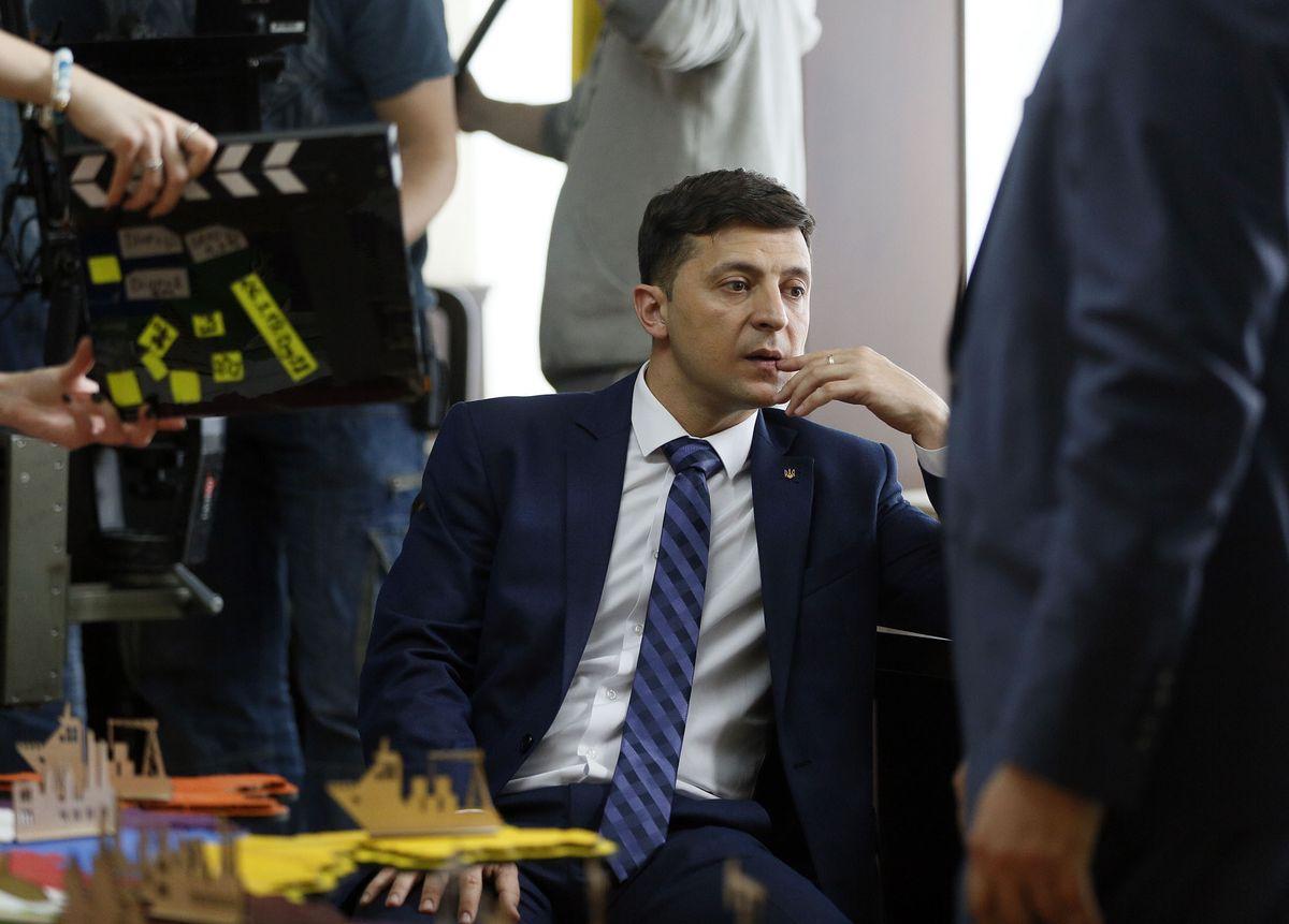 """""""Не с того ты начал голубок"""": Макрон осадил выскочку Зеленского из-за Путина"""