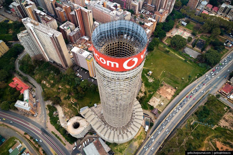 Самый знаменитый небоскрёб Йоханнесбурга
