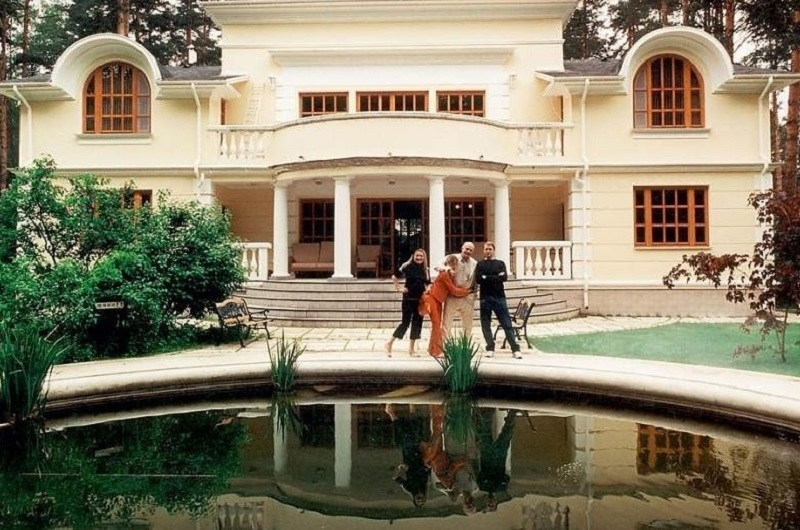 Никита михалков его дом внутри фото
