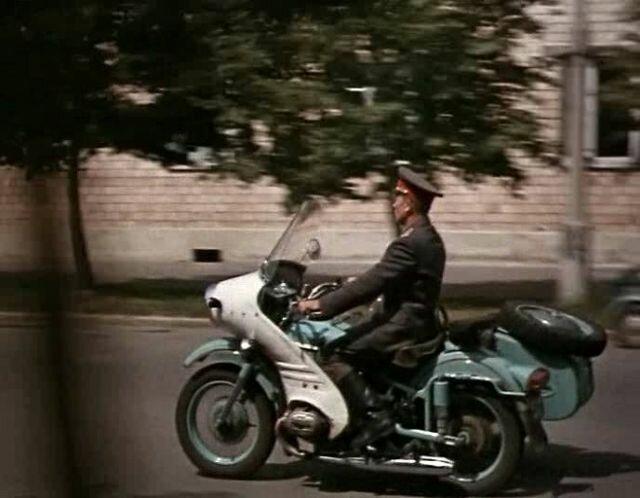 М-100 - мотоцикл особого назначения