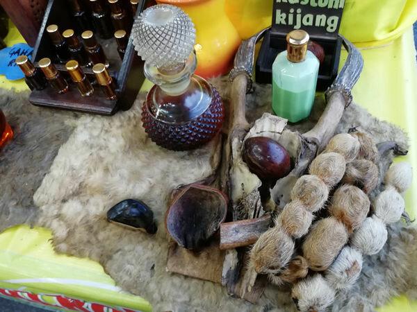 Чем от нее несет? 5 женских нот в парфюмерии, от которых мужчины воротят нос ароматов, запах, сладкой, когда, Мужчины, общем, шлейф, просто, такой, слишком, очень, лучше, женских, аромат, парфюмеры, духами, история, потрудились, Конечно, раскрытием