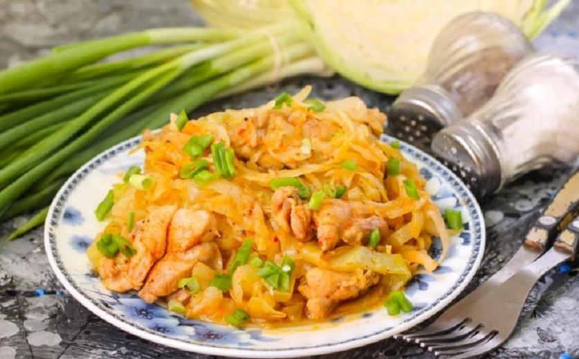 Тушеная капуста с курицей: простой, но поистине царский ужин