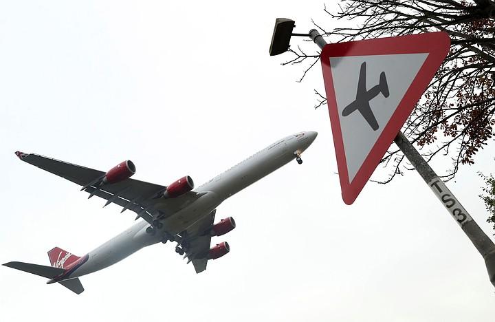 В США самолет совершил экстренную посадку из-за задымления на борту