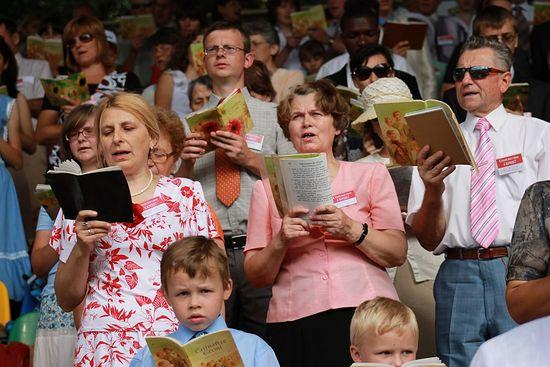 В РОССИИ НАЧАЛСЯ ПРОЦЕСС ПО ЗАПРЕТУ ОДНОЙ ИЗ САМЫХ МАССОВЫХ ТОТАЛИТАРНЫХ СЕКТ