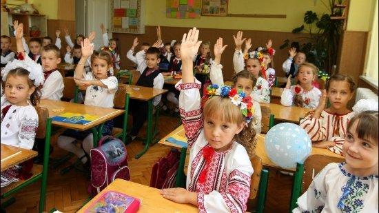 Венгрия требует пересмотра языкового закона новой властью Украины