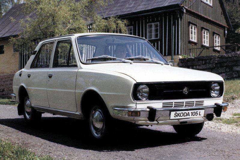 За год до снятия с конвейера семейства 100/110, в 1976 году, компания Skoda представила новую линейку заднемоторных моделей – 105, 120 и 125. заднемоторная компоновка, седан