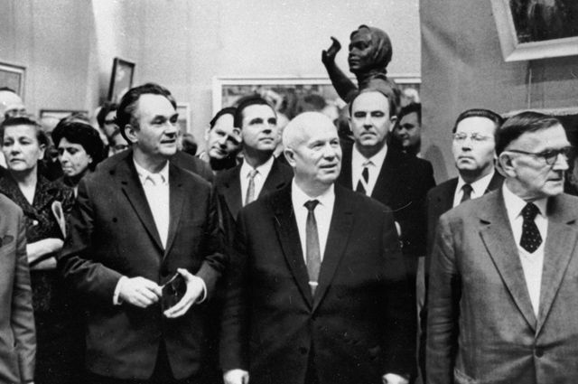 Упущенный шанс Хрущёва. Как генсек разгромил строителей коммунизма
