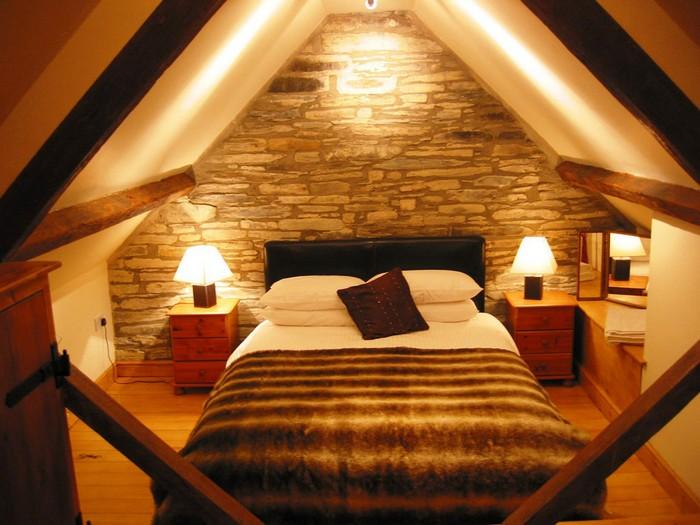 Освещение спальни на мансарде фото