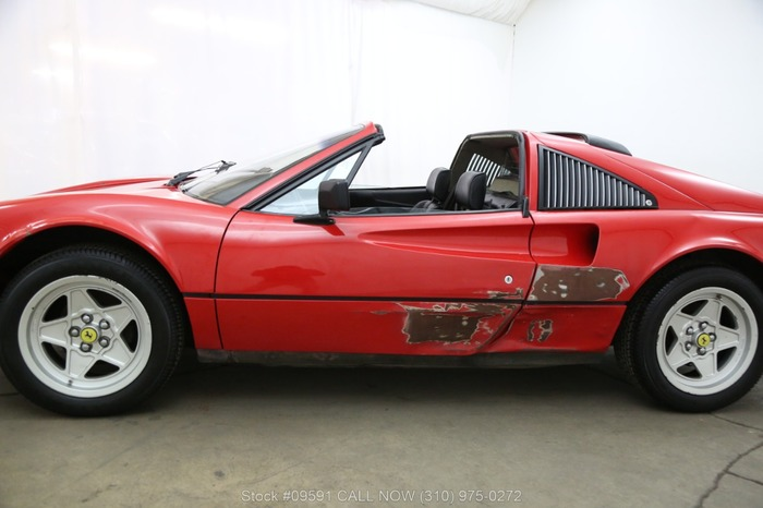 Купил дом вслепую, а в гараже оказался Ferrari 308! автомобили