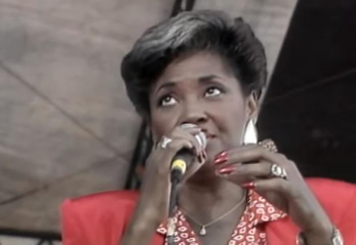 Умерла американская джазовая певица Нэнси Уилсон
