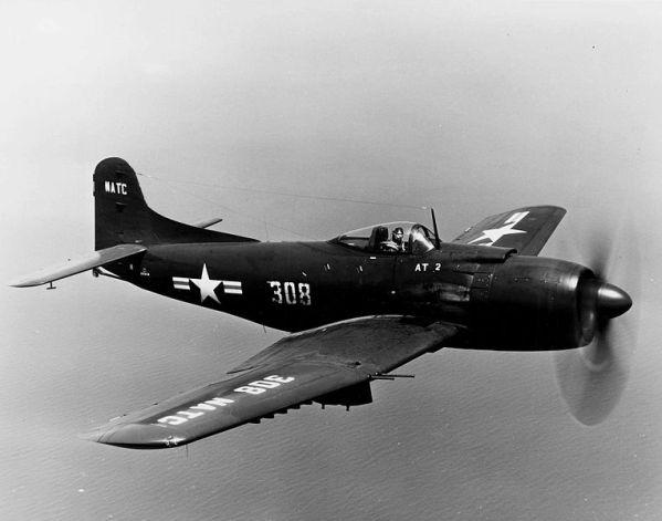 Martin_AM-1_NATC_in_flight.jpg