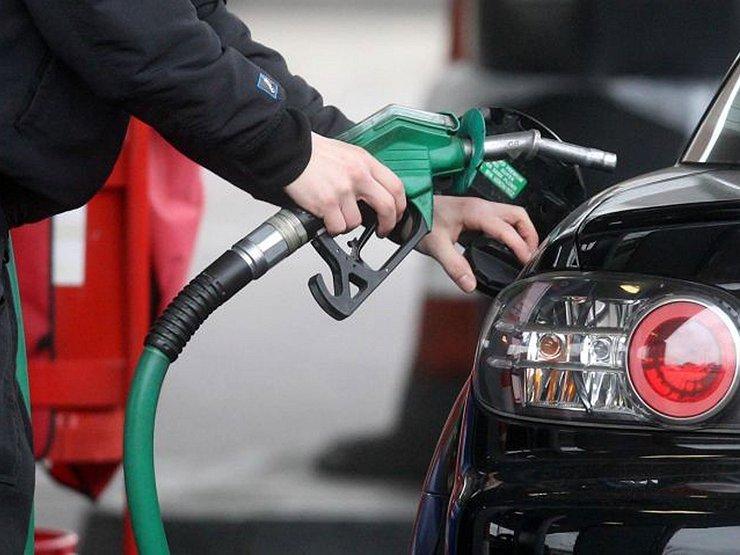Газпрому влетело за вздувание цен на бензин