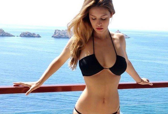 Скоро будет лето - красивые девушки в купальниках (10 фото)