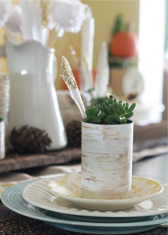 Горшки из жестяных банок, декорированные берестой