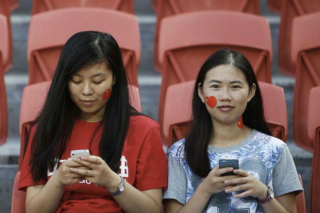 Студенткам в Китае дают кредит под залог откровенных снимков культура