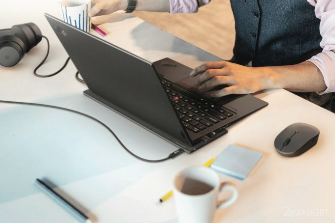 Lenovo показала беспроводное зарядное устройство для ноутбука