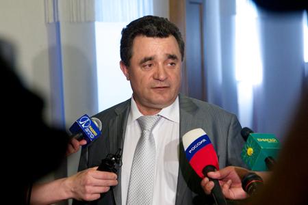 «Половина депутатов занимается лесным бизнесом»: один депутат выступил против отставки Давыденко